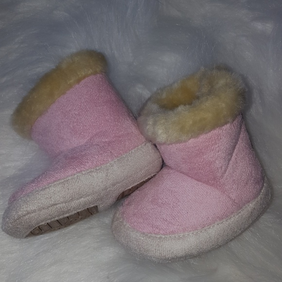 add72b215b734 Baby girl faux suade boots size 1